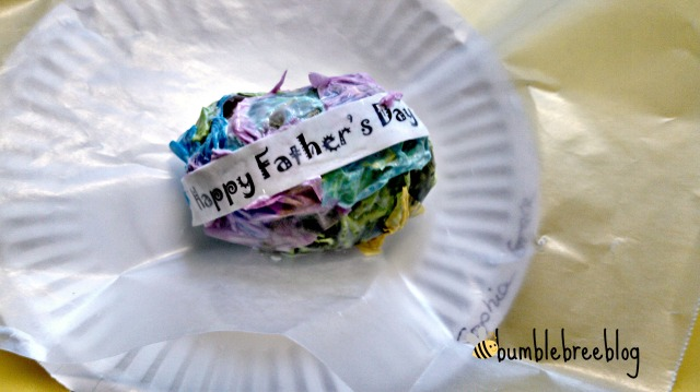 Gift for dad.  Easy decortive stones for kids church craft from bumblebreeblog